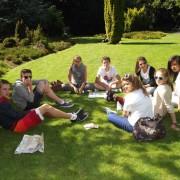 Groupe REGARDS dans un parc à Dublin