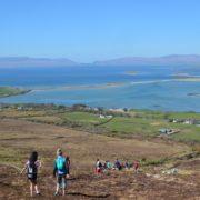 Les jeunes sur le mont st patrick Irlande